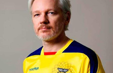 Ecuador muốn 'đuổi' ông chủ WikiLeaks vì... ở dơ?