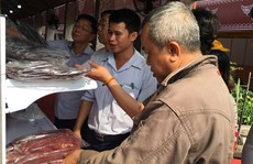 Đặc sản ngoại lên mâm Tết Việt