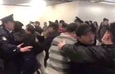 Cự cãi nhân viên sân bay, hành khách Trung Quốc bị bắt