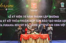 Trao bằng chứng nhận cho 212 HSSV tham gia phục vụ Tuần lễ cấp cao APEC