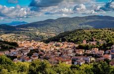 Thị trấn biển Italy rao bán hàng trăm căn nhà với giá 1 USD