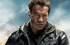 'Kẻ hủy diệt' Arnold hối tiếc xin lỗi vì suồng sã phụ nữ