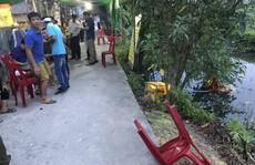 Xe 'điên' tông vào đám tang, 8 người bị thương