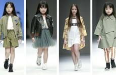 Mẫu 'nhí' Việt sải bước trên sàn diễn thời trang thế giới