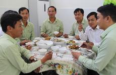 Nâng chất bữa ăn giữa ca cho người lao động