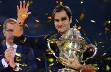 Federer: Từ cậu bé nhặt bóng thành huyền thoại sống quần vợt thế giới