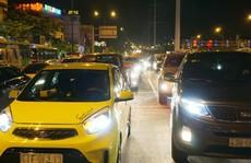 Từ chối đăng kiểm ôtô 'độ' đèn chiếu sáng