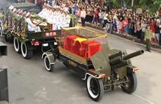 Hàng ngàn người dân tiễn đưa nguyên Tổng Bí thư Đỗ Mười về nơi an nghỉ