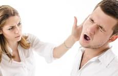 Tát chồng nảy đom đóm mắt trước mặt bố mẹ chồng