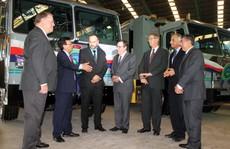 VWS trao tặng 6 'siêu xe' vận chuyển rác