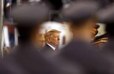 Tổng thống Trump than phiền 'bị quấy rối'