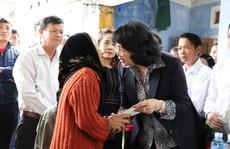 Phó Chủ tịch nước viếng anh dân quân qua đời sau khi cứu người trong mưa lũ