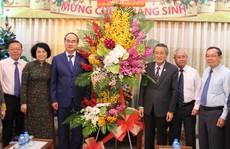 Bí thư Thành ủy TP HCM thăm, chúc mừng lễ Giáng sinh
