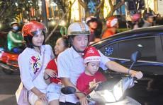 TP HCM ngập tràn không khí lễ hội trong tiết trời se lạnh
