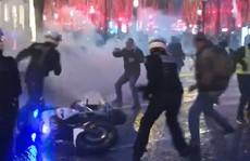 Pháp: Biểu tình 'áo ghi-lê vàng' tiếp tục bùng cháy, số người chết tăng