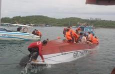 Một tàu chở khách bị chìm ở vịnh Nha Trang