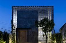 Căn nhà toàn 'lỗ' ở Hưng Yên đẹp ấn tượng trên báo Mỹ
