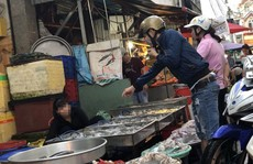 THỰC PHẨM BẨN TUỒN VỀ CHỢ CÔNG NHÂN (*): Đi chợ cùng công nhân
