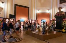 Hơn 100 cổ vật độc lạ được trưng bày ở TP HCM