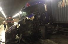 Quốc lộ 1 qua hầm Hải Vân tê liệt nhiều giờ sau tai nạn