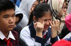 Người thầy khiến hàng ngàn học sinh bật khóc