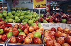 Cam, táo ngoại đồng giá 30.000 đồng/kg, người dân đổ xô mua về ăn Tết