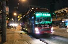Xe khách chạy sai tuyến, tài xế 'cố thủ' thanh tra giao thông