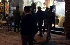 Nhóm côn đồ bịt mặt mang súng tới nhà bắn chết 'đối thủ' ngày cận Tết