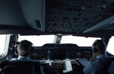 Xem 'siêu' máy bay A350 XWB-1000 trình diễn ở Hà Nội
