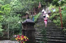 'Chặt chém' ở Yên Tử