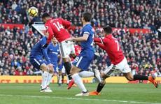 Morata chơi tệ, Conte thua ngược Mourinho
