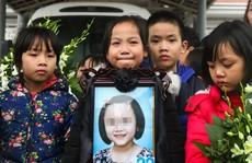 Giác mạc bé Hải An qua đời vì ung thư được ghép cho 2 người
