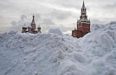 Moscow hứng chịu lượng tuyết rơi trăm năm mới có một lần