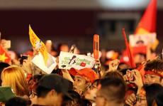 CĐV 'tấn công tình cảm' với U23 Việt Nam