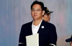 'Thái tử' Samsung bất ngờ được trả tự do
