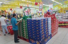 Siêu thị cho khách mua 5 thùng bia/ngày để tránh bị gom hàng