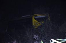 Vụ xe khách lao xuống vực 100 m: Xe 'dù', tắt giám sát vẫn qua mặt hàng loạt chốt CSGT