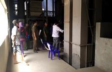 Đứt cáp thang máy tự chế, nữ công nhân chết thảm