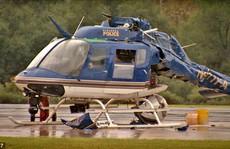 Cận cảnh hai trực thăng cắt cánh nhau tan nát