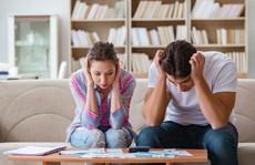 Vợ chồng tiền ai nấy tiêu, gia đình tôi lao đao khi sự cố xảy ra