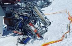 Cáp treo trượt tuyết 'nổi điên', hất văng hàng chục người