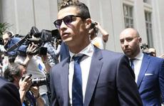 Ronaldo vung tiền nộp phạt, 'chạy án' tù cáo buộc trốn thuế