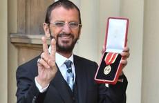 Tay trống 'huyền thoại' của Beatles sung sướng nhận tước Hiệp sĩ