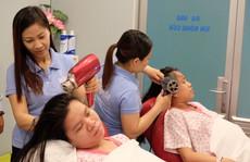 Đi sinh, bà bầu được gội đầu, massage miễn phí