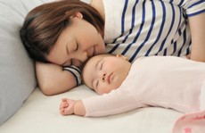 Muốn con ngủ nhanh, hãy nhớ những mẹo hữu ích này