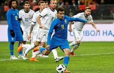 Sao Barca tỏa sáng, Brazil đè bẹp chủ nhà World Cup ở Moscow