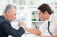 5 cách ứng xử để làm việc tốt với đồng nghiệp 'lão làng'