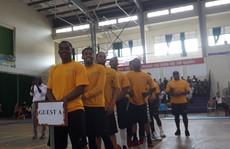 Hải quân tàu sân bay Mỹ hào hứng giao lưu bóng rổ với sinh viên Đà Nẵng