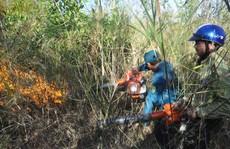 Cháy Lớn trên núi Nứa, huy động gần trăm người dập lửa