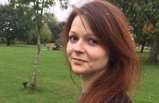 Vừa xuất viện, con gái cựu điệp viên Nga đến 'nơi an toàn'